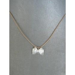 cordoncito ajustable en seda con cierre en plata de Ley y lazo doble nacar blanco/gris en nacar