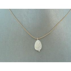 cordoncito ajustable en seda con cierre en plata de Ley y hoja blanca en nacar